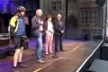 In Hildesheim hat uns einer unserer eigenen Teilnehmer, Eugen, einen tollen Aktionstag organisiert: Mit der MUT-TOUR-Fotoausstellung am Rande, großer (mitgenutzter) Bühne und drei Lokalpolitikern, die sprachen, bevor es zusammen mit dem ADFC und Mitfahrern nach Sarstedt ging.