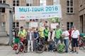 An der Glocke in Bochum, also vorm Rathaus, werden wir von der Bürgermeisterin empfangen. Unsere Freunde vom Bochumer Bündnis gegen Depression machen traditionell einen Infostand. Danach geht es in einer Mitfahr-Aktion gen Essen…