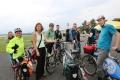 Die Berliner Teilnehmer der Mitfahr-Aktion sammeln sich auf dem Tempelhofer Feld (Foto: www.joannakosowska.com)