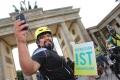 Bei der Photosession vorm Brandenburger Tor in Berlin. (Foto: www.joannakosowska.com)