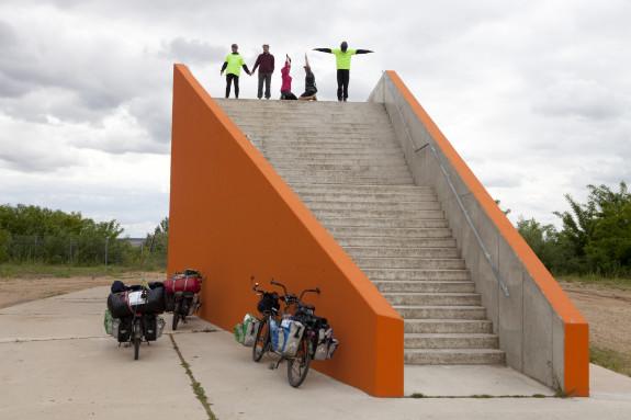 Gemeinsam auf schwer beladenen Tandems Deutschland erkunden und Öffentlichkeitsarbeit machen - Die MUT-TOUR sucht für 2016 wieder Teilnehmer an 8 bis 12-tägigen Etappen
