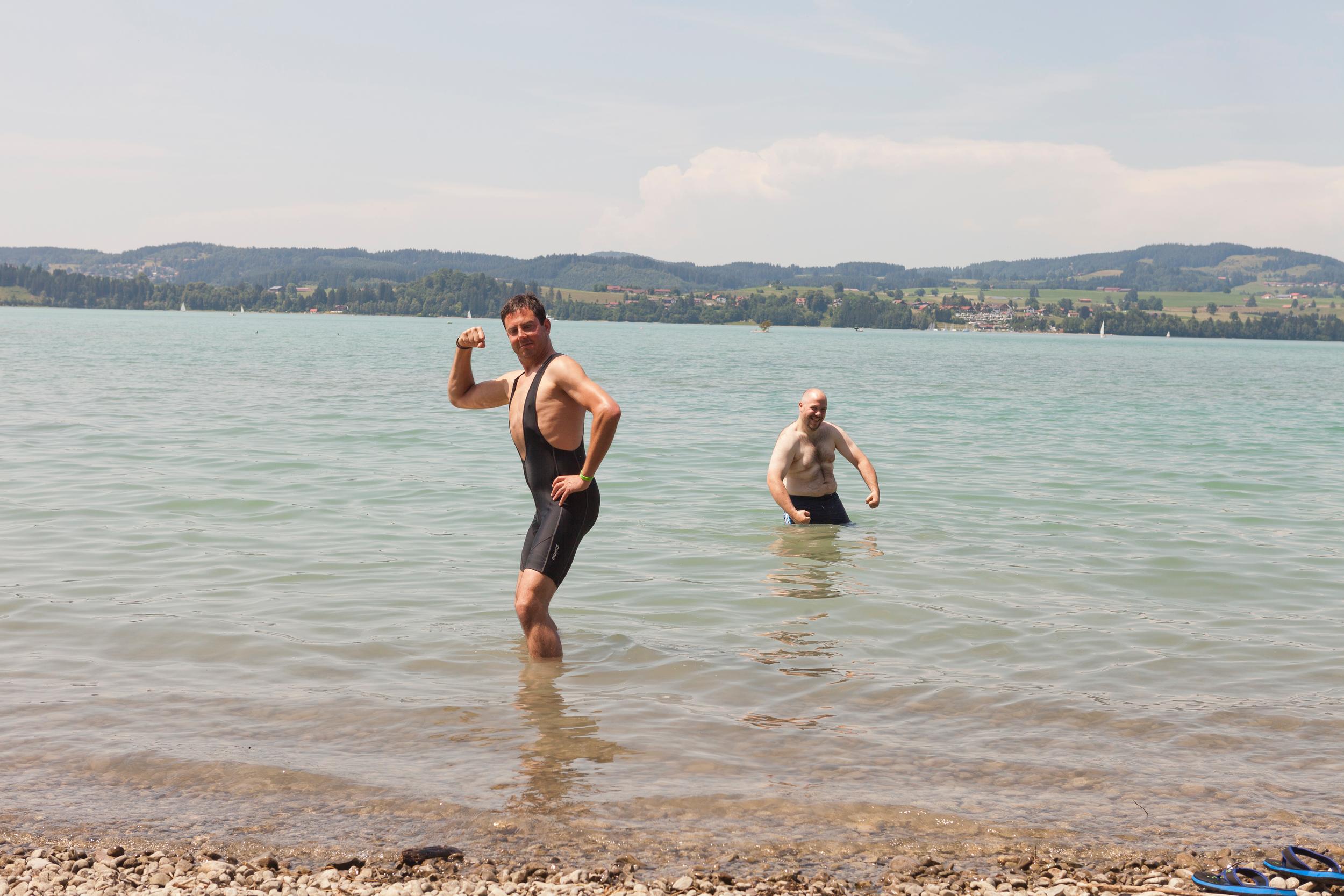 MUT-TOUR Teilnehmer zeigen Muskelkraft