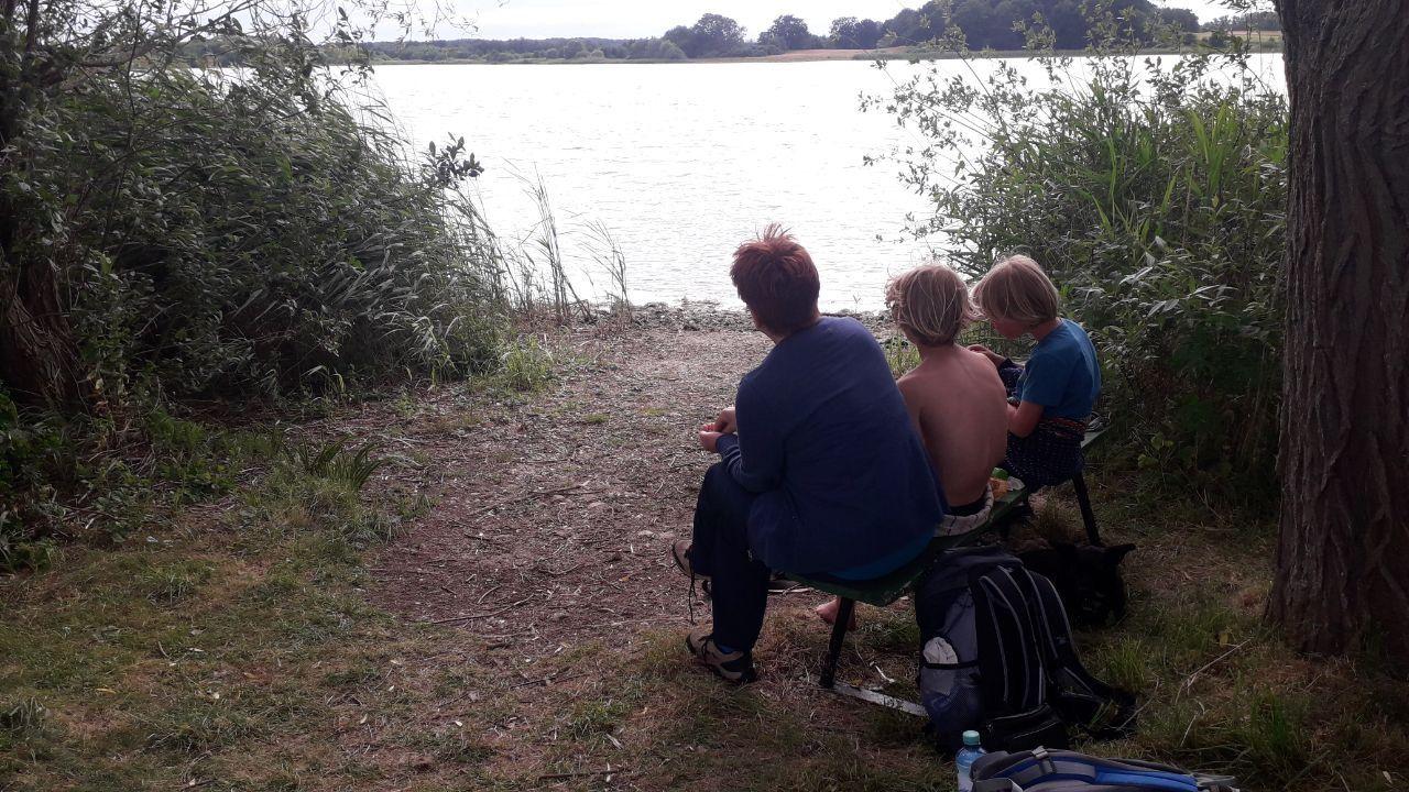 Teilnehmerin Andrea mit zwei kleinen Mitwanderern