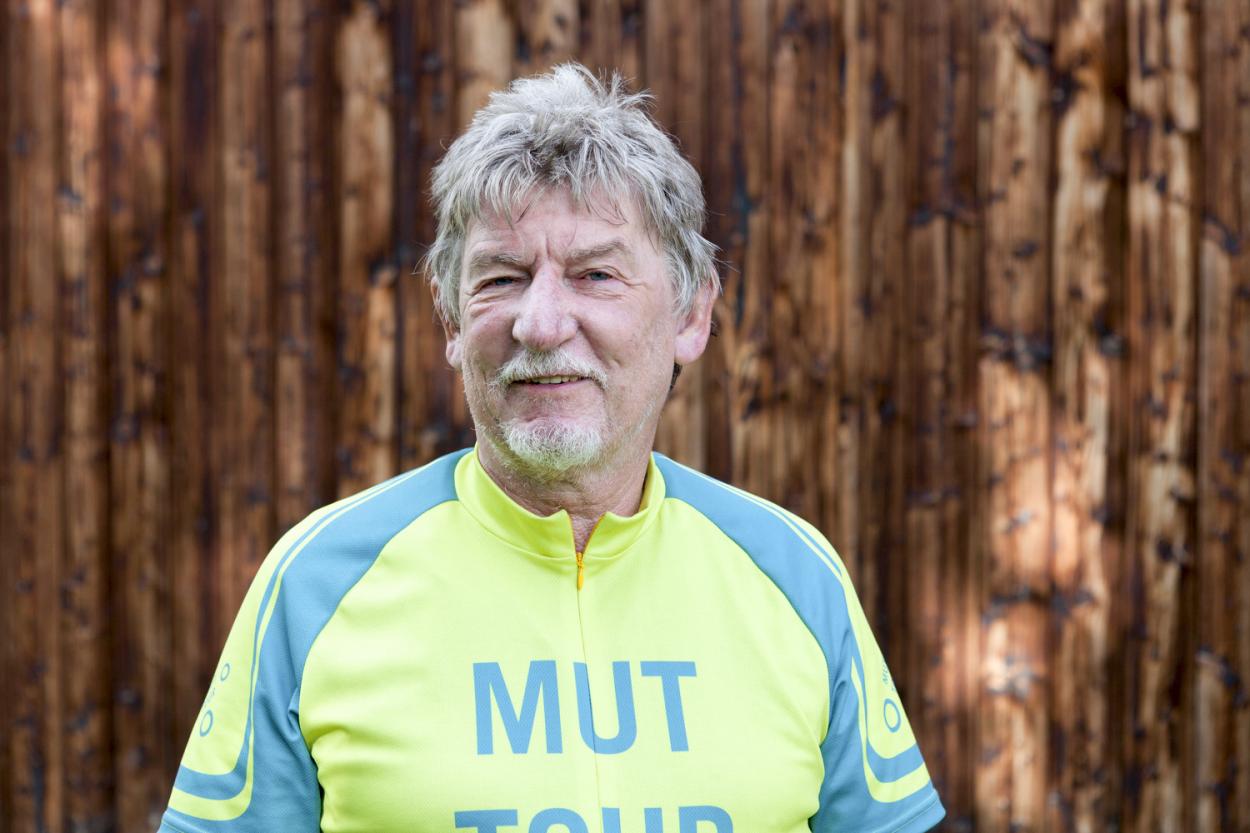 Dietmar, 68 Jahre aus Duisburg