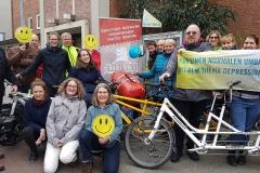Die 17 MUT-TOURisten aus ganze Deutschland (viele Tourleiter und einige Teilnehmer) – vor der Zionsgemeinde Bremen